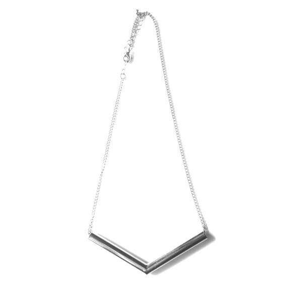 {H&M} Silver Chevron Necklace
